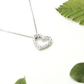 Collier fantaisie pendentif coeur argent chez Poisson Plume