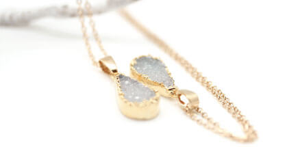 Collier fantaisie de créatrice avec agate chez Poisson Plume bijoux