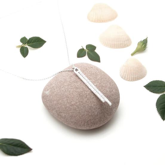 Collier en argent pendentif brillants chez Poisson Plume bijoux