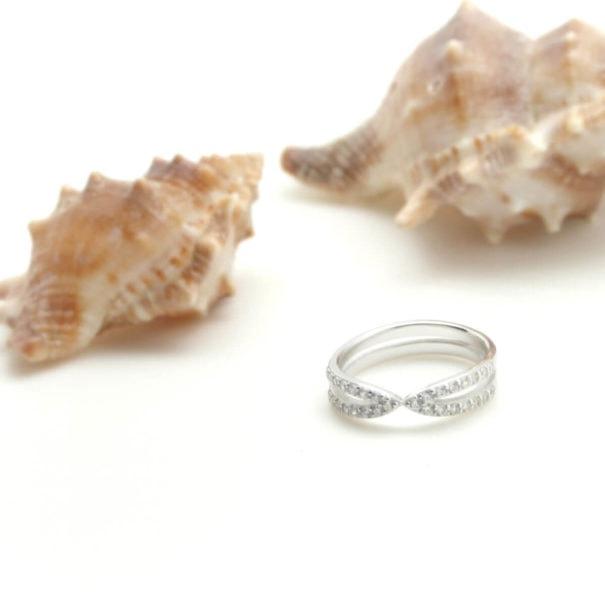 bague fantaisie anneau briullants en argent chez Poison Plume bijoux
