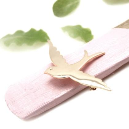 Broche fantaisie oiseau en plasué or chez Poisson Plume bijoux