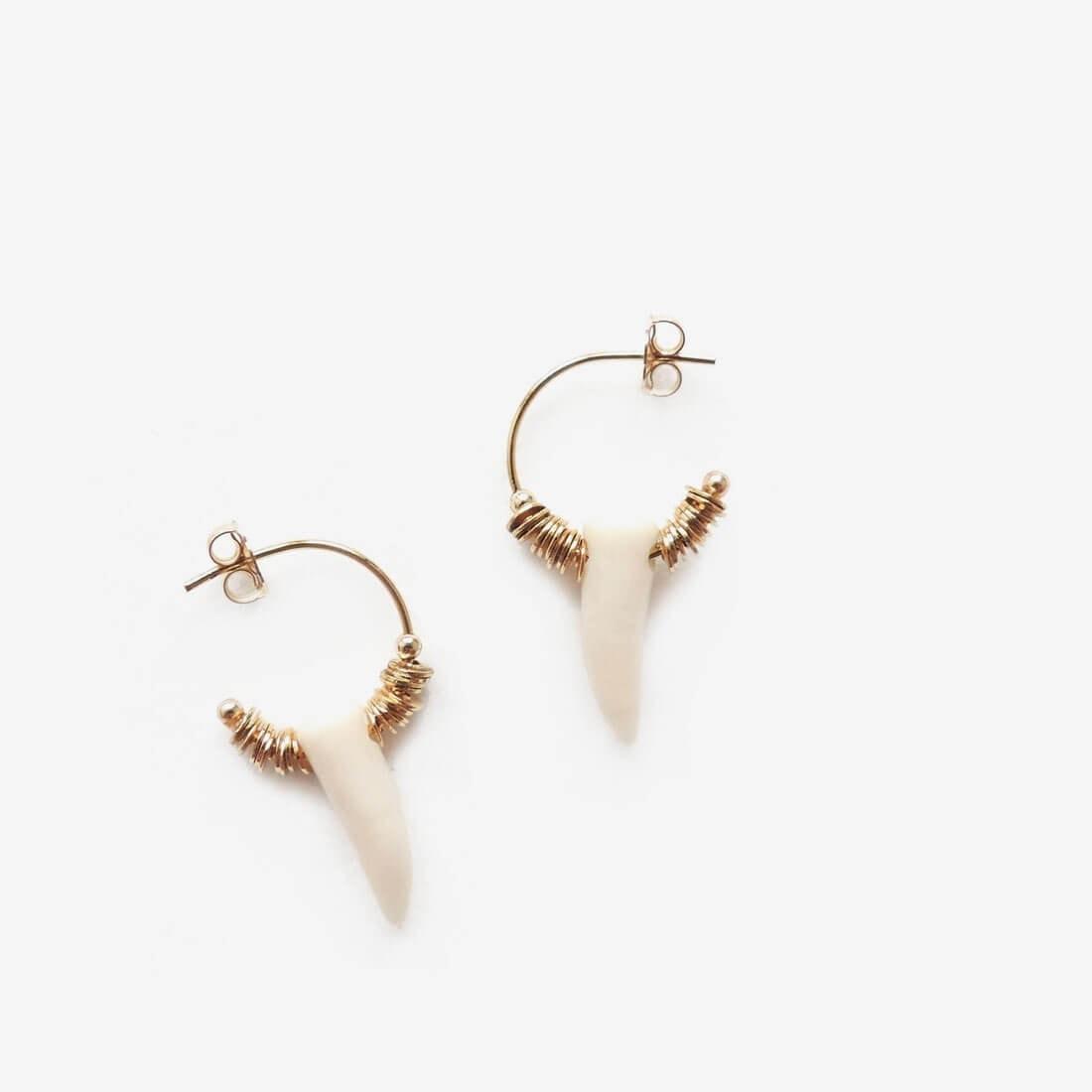 boucle d'oreille corne