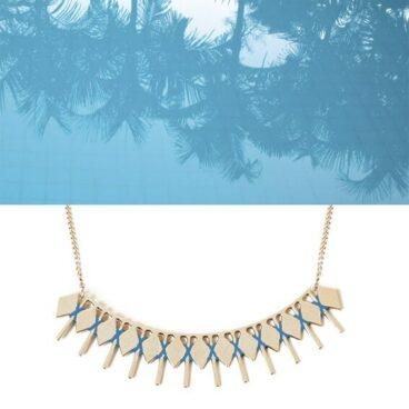 Collier doré et bleu Isadora chez Poisson Plume