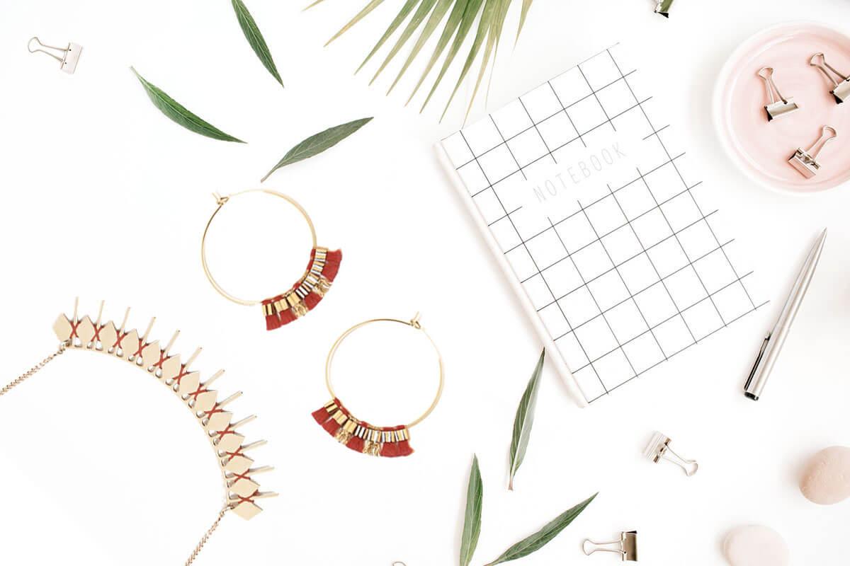 La créatrice de bijoux fantaisie Christelle dit Christensen évoque son parcours à travers les questions de Poisson Plume. Une interview à ne pas manquer !