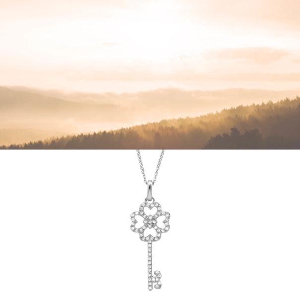 collier en argent avec un pendetif clé, chez Poisson Plume bijoux