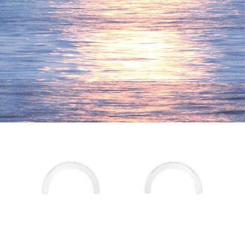 Boucles d'oreilles en forme de demi lune, par la créarice Salomé Charly