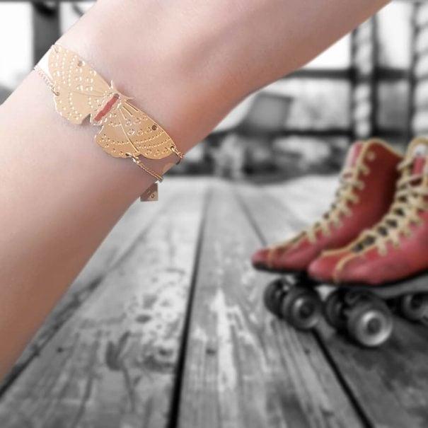 Bracelet fantaisie de créatrice, brodé à la main. Chez Poisson Plume bijoux.