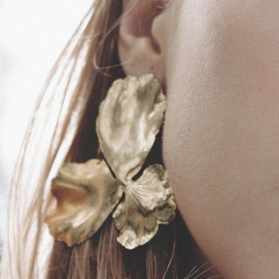 D'exceptionneles Boucles d'oreilles Pensées en taille Large. Chez poisson Plume
