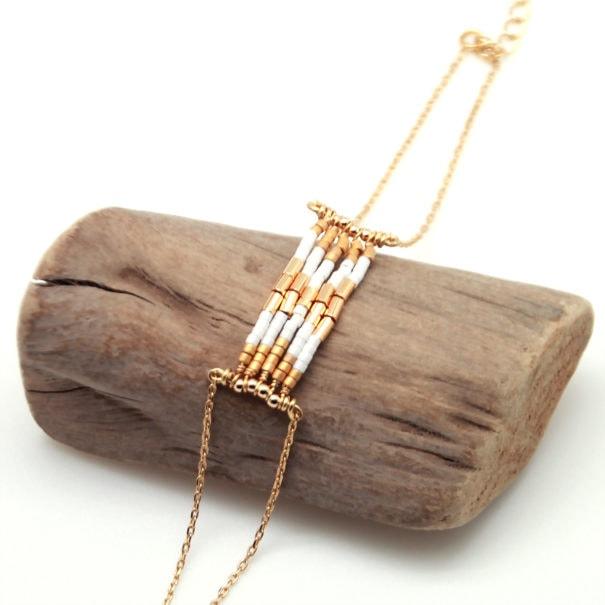 Mini Folk, bracelet en détail