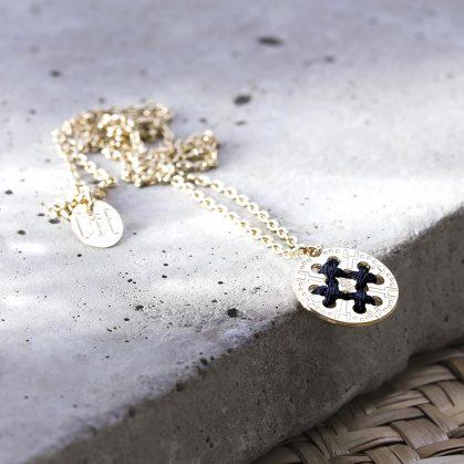 Collier médaille Raoni - Camille Enrico. Chez Poisson Plume bijoux