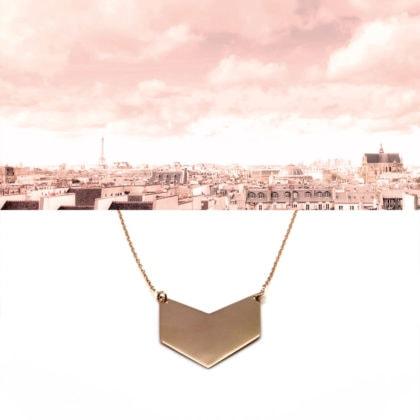 collier en plaque or chevron graphique doré