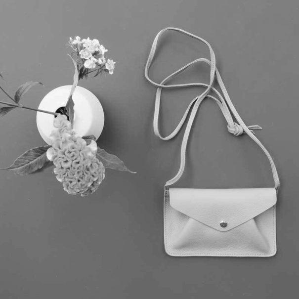 petit sac en cuir facile à porter