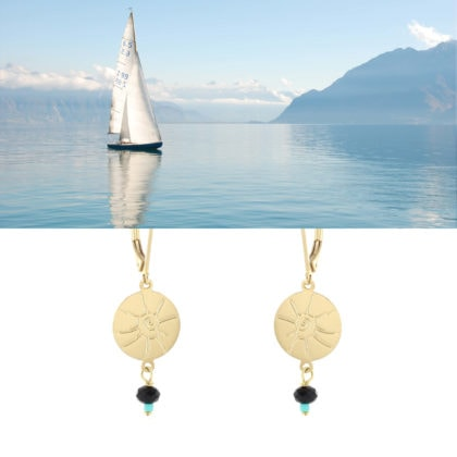 Boucles d'oreilles pendantes esprit vacances disque coquillage et perles chez Poisson Plume
