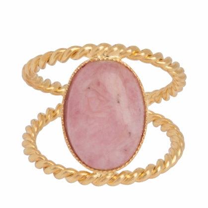 Bague avec quartz rose monté en cabochon de la marque Dear Charlotte