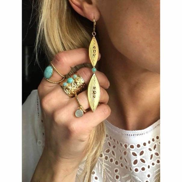 Bijoux protés de la marque Dear Charlotte, dorés et Amazonite