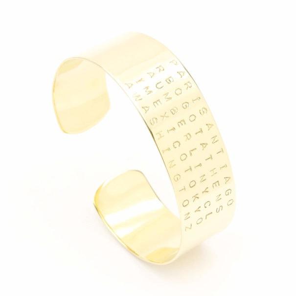 Bracelet de type jonc ouvert doré à l'or fin