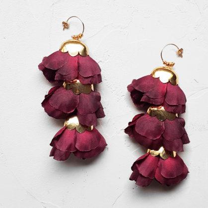 Boucles d'oreille delicias de la créatrice Elise Tsikis. Chez Poisson Plume