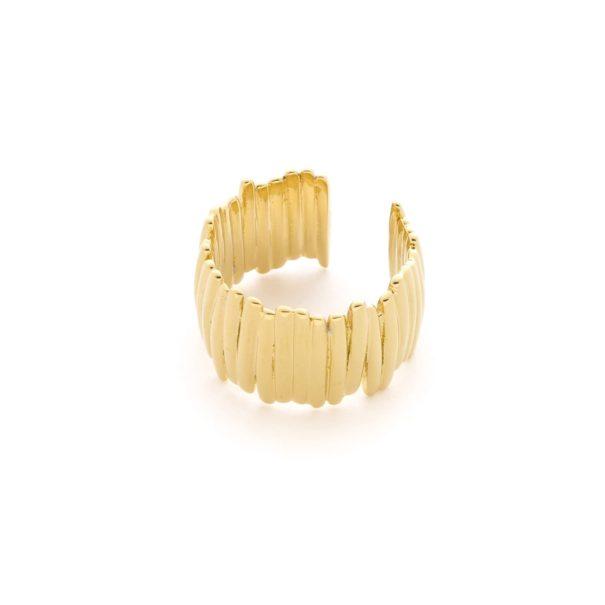 Bague de créateur, dorée à l'or fin. Un bijou Alexandra Margnat.