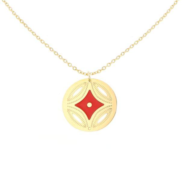 Collier médaille doré à l'or fin de la créatrice Laëti Trëma. Disponible chez Poisson Plume