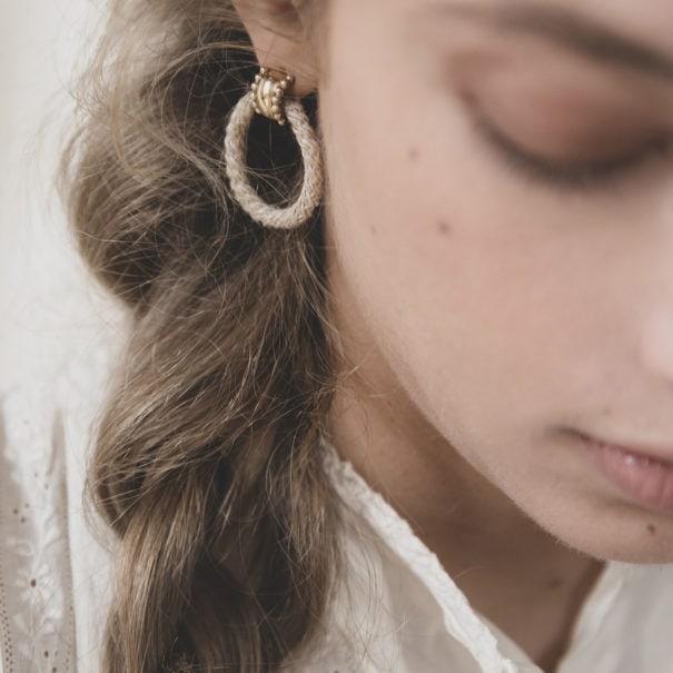 Boucles d'oreilles d ela créatrice Elise Tsikis. Modèle Ardassa