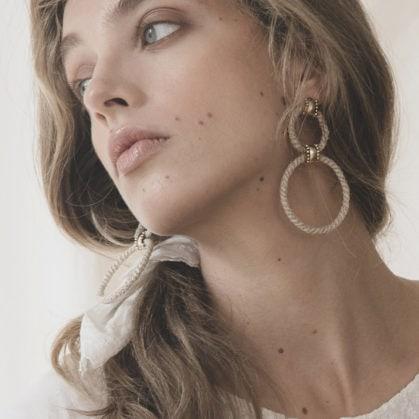 boucles créoles Paralia de la créatrice Elise tsikis