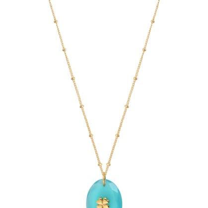Collier avec une pierre naturelle calcedoine en pendnetif. Un petit trèsfle en plaqué or est incrsuté dessus. En vente dans la bijouterie de créateurs Poisson Plume.