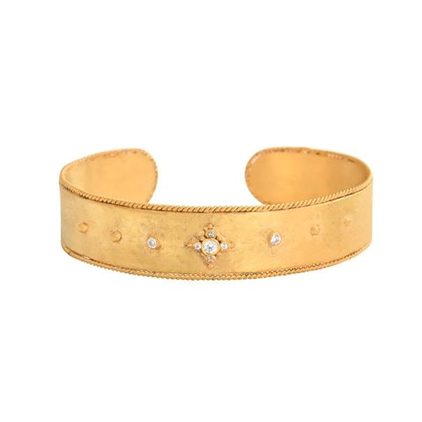 Bracelet martelé doré mat Leticia ponti chez Poisson Plume bijoux