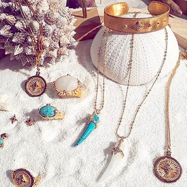 Présentation des bijoux leticia Ponti.