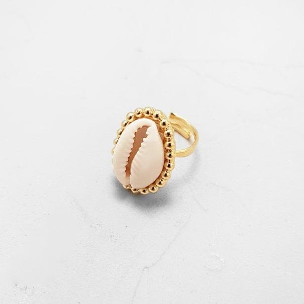 Bague Cauri Liosa en plaqué or, dans la bijouterie Poisson Plume