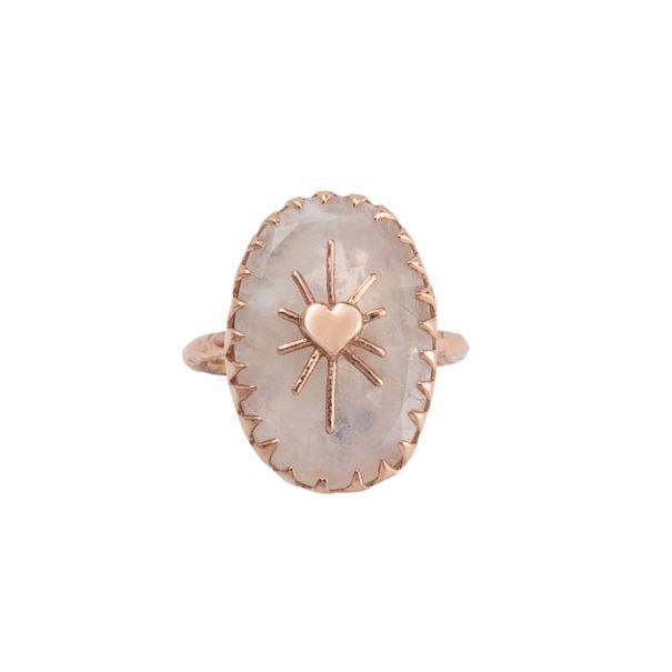 Bague Amulet Labradorite blanche par Alexiane Bijoux chez Poisson Plume bijouterie