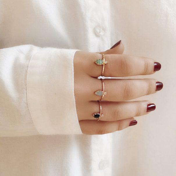 Bagues Mimi ovales Alexiane bijoux, avec de spierres naturelles. Chez Poisson Plume