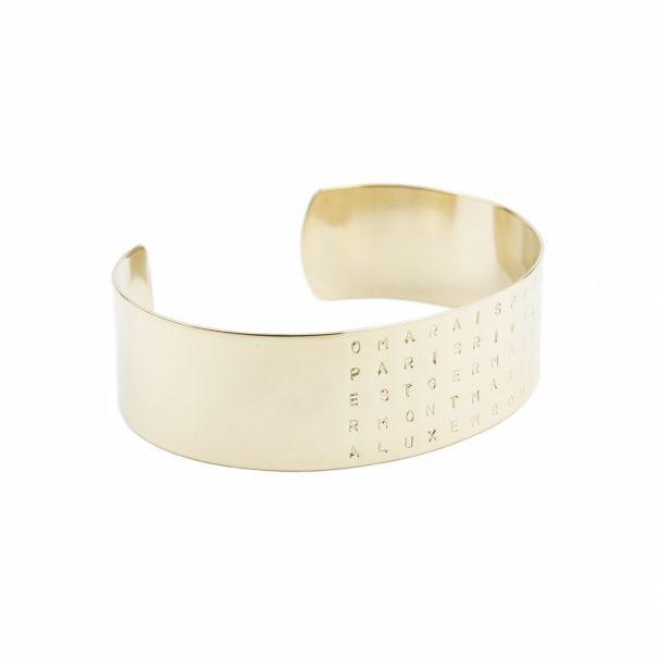 """Bracelet """"PARIS"""" personnalisé, gravé. un bijou de créateur créé pour Poisson Plume bijoux."""