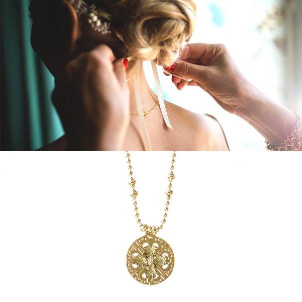 Collier medaille dorée de créateur or gold