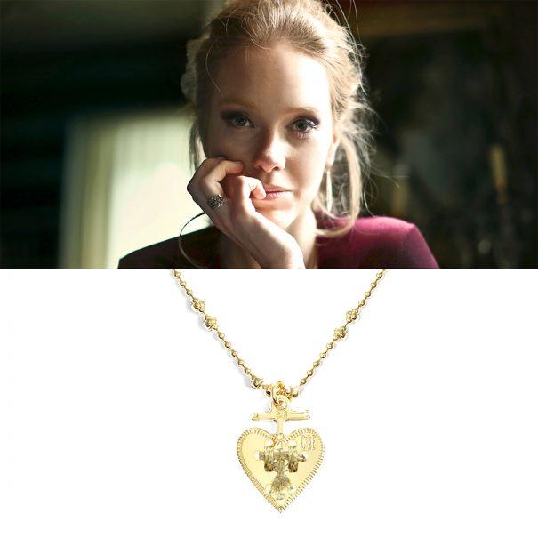 collier medaille coeur doré chez poissonplume bijoux