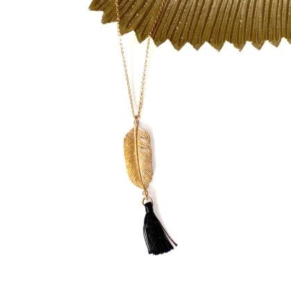 collier aigle plume pompon
