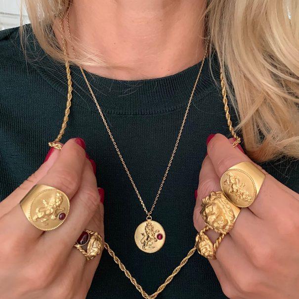 collier medaille antique lion dear charlotte paris