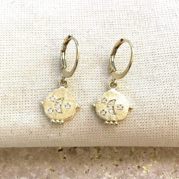 Petites boucles d'oreilles lune chez poisson plume bijoux