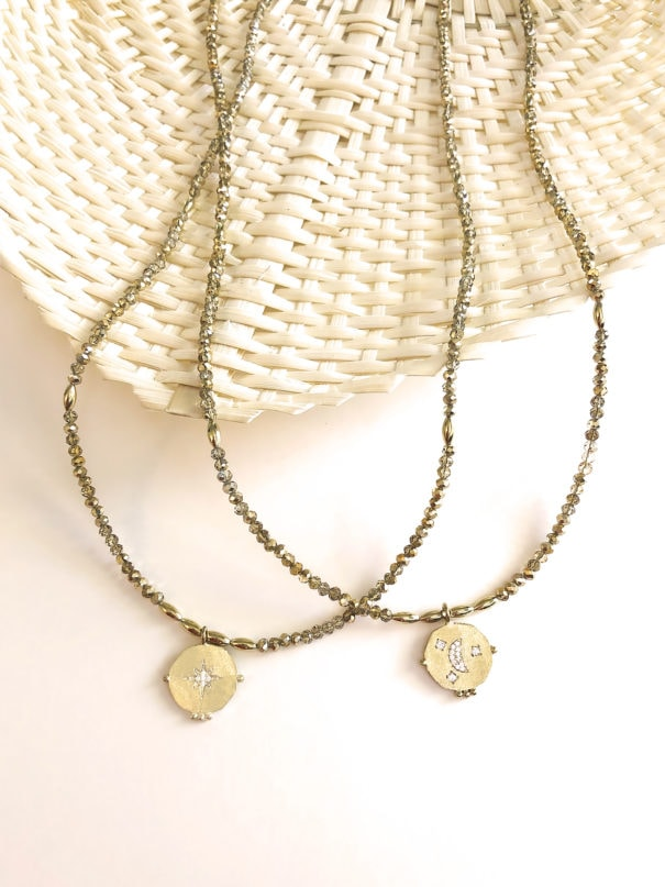 colliers longs etoile et lune chez poissonplume bijoux V1400