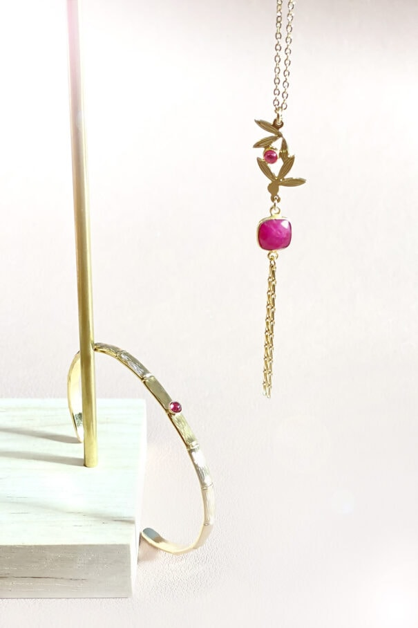 bijoux jonc et collier grenat chez poisson plume