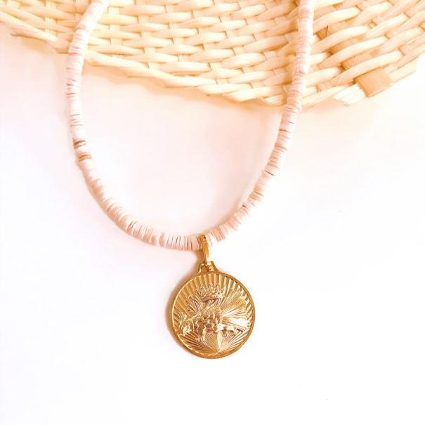 sautoir medaille corail peche visuel medaille aigle royal dear charlotte chez poissonplume