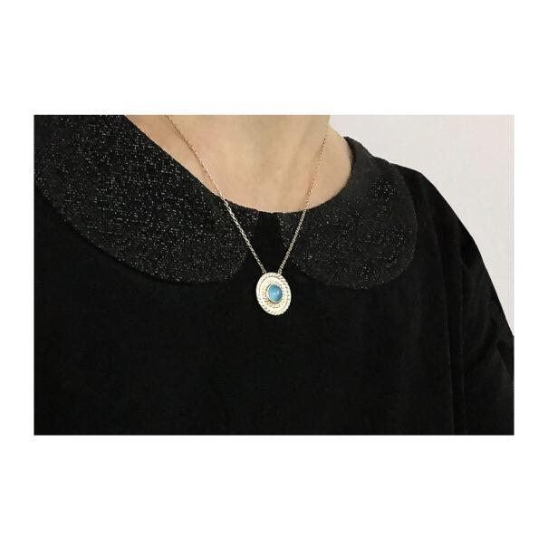 Collier Agate Lou porté soir poissonplume bijoux