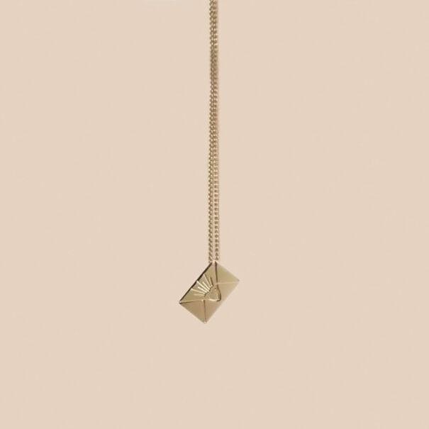 mini collier enveloppe hermes lettre