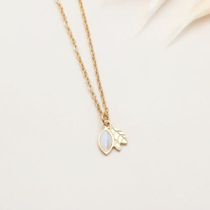collier ylang nacre zoom