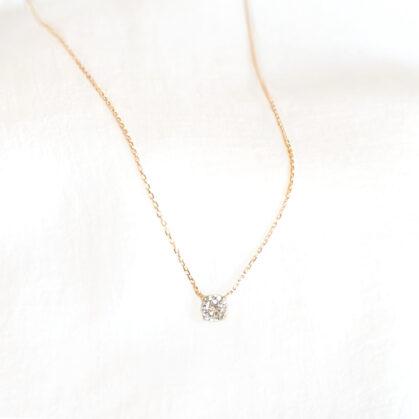 Collier Capucine solitaire plaque or chez poisson plume bijoux